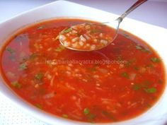 Tomato, rice and lovage soup Romania Food, Hungarian Recipes, Home Food, Desert Recipes, My Favorite Food, Food To Make, Vegan Recipes, Easy Meals, Food And Drink