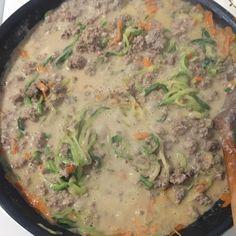 Abendessenszeit  Es gibt Zucchini - Nudeln etwas Möhren und Rinderhackfleisch mit etwas cusin  sehr lecker #eatclean #gesund #diät #motivation #abnehmen #lecker #lowcarb #transformation #food #fooddiary #durchhalten by majolinchen