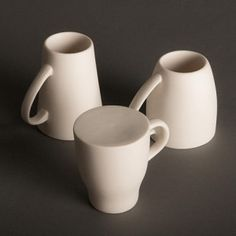 Northumbria University graduate Henry Franks won the award for a collection of re-imagined everyday objects, including an inverted set of mugs, double-hooked coat hangers, pen pots that only hold two or three pens and a set of cork plinths for cups. My Coffee, Coffee Cups, Funny Coffee, Coffee Chart, Northumbria University, Young Designers, Cup Design, Everyday Objects, Ceramic Mugs