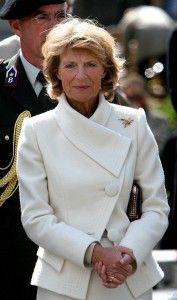 Ook voor prinses Irene, die al jaren klant bij hem is, blijft hij ontwerpen. Prinses Irene in een creatie van Frans Hoogendoorn. Copyright PPE