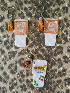 Whataburger cup keychain- Whataburger- Texas- Sonic keychain- Sonic drive in- Sonic- tumbler- tumbler keychain Keychain Clip, Cute Keychain, Keychain Ideas, Diy Resin Crafts, Tape Crafts, Glitter Keys, White Glitter, Diy Vinyl Projects, New Car Accessories