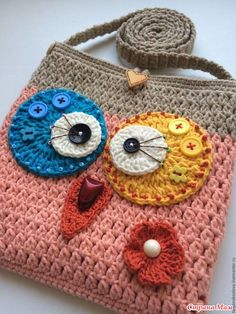Set aside a weekend for these easy crafts to make and sell. These are the projects you need, if you want to start selling! Crochet Tote, Crochet Handbags, Crochet Blouse, Crochet Purses, Crochet Baby, Knit Crochet, Handmade Handbags, Handmade Bags, Crochet Designs