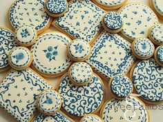 While I was doing research for my cracked glaze cookies, I came across lots of Delft pottery and Blue Willow. Then I saw this plate in a neighborhood cafe and I knew I had to make these cookies. These are all made using the wet-on-wet royal ici Fancy Cookies, Vintage Cookies, Iced Cookies, Biscuit Cookies, Cute Cookies, Cupcake Cookies, Sugar Cookies, Cupcakes, Flower Cookies