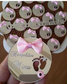Baby Crafts, Diy And Crafts, Wedding Favors, Wedding Gifts, Baby Table, Baby Hangers, Laser Cutter Projects, Diwali Gifts, Chocolate Decorations