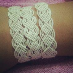 Leaf pattern handemade bracelet!:)