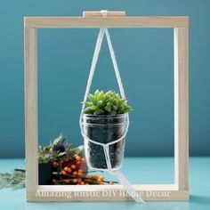 Give your plants a place among your art with this framed planter DIY. # DIY Home Decor videos Framed Planter DIY Diy Home Decor Projects, Diy Home Crafts, Diy Room Decor, Decor Ideas, Plant Crafts, Diy Hanging Shelves, Plant Shelves, Garden Shelves, House Plants Decor