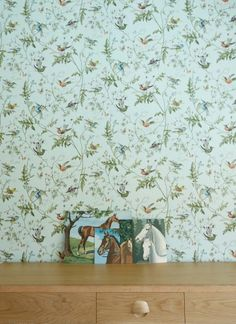Vintage floral wallpaper from Anthologie - The Tale of Hannah & clementine logan Cole And Son Wallpaper, Wall Wallpaper, Vintage Floral Wallpapers, Wall Colors, Colours, Nursery Design, Kid Spaces, Dream Bedroom, Home Renovation
