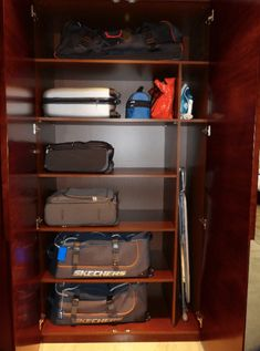 We often don't think about how we will organize our belongings when we are planning our dream home. But home organization is vital to clutter free living. Kids Bedroom Storage, Storage Room Organization, Diy Storage Boxes, Closet Storage, Master Closet, Closet Bedroom, Custom Closet Design, Suitcase Storage, Closet Renovation