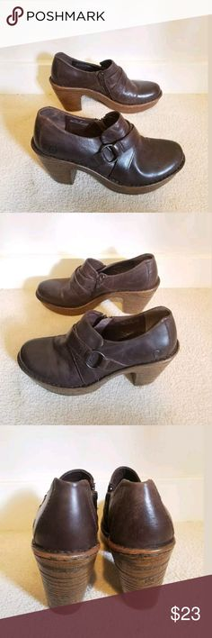 Born 8.5 brown Leather clogs slip on heels shoes They are in great shape and were not worn much. They have lots of life left.  Womens size 8.5 clogs mules heels shoes dress casual slip on Born Shoes Mules & Clogs