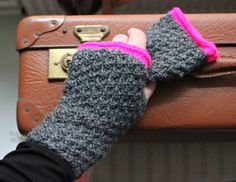 Strik til dig Archives - Side 6 af 10 - susanne-gustafsson. How To Purl Knit, Drops Design, Uld, Stocking Stuffers, Fingerless Gloves, Arm Warmers, Ravelry, Knitwear, Stockings