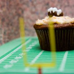Beer and cheese dip show up at every Super Bowl party. Beer cheese Super Bowl cupcakes are sure to be a new and unique (to say the least) addition to the sam...