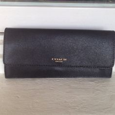 Black Coach Wallet Brand new condition ! Reasonable offers will be considered  Coach Bags Wallets