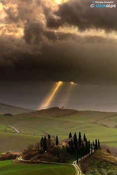 The First Rays by Michele Rossetti (Tuscany, Italy) ♥ Seguici su www.reflex-mania.com/blog