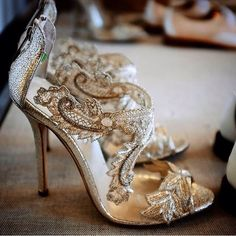Oscar de la Renta scarpe foto coutureweddingplanning