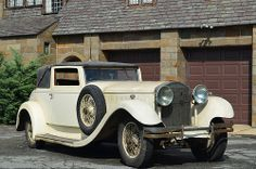 1931 Isotta Fraschini Tipo 8A. The Isotta Fraschini 8A was a car manufactured by Isotta Fraschini, successor to the Tipo 8. This new engine could produce 115–160 brake horsepower (86–119 kW). This was the most powerful mass-produced straight-8 engine in the world at that time.The Isotta Fraschini car company promised that every car could do (93 mph). Around one third of these cars were sold in the United States.