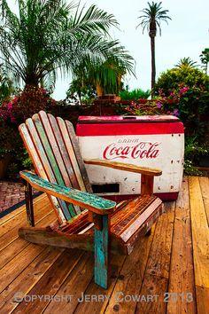 Vintage Coke Machine With A Adirondack por PhotosbyJerryCowart
