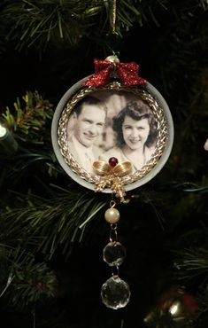 Ancestor Ornament - Vintage canning jar lid with photo of ancestors. Embellish with old jewelry and ribbon Christmas Ornaments To Make, Homemade Christmas, Christmas Projects, Holiday Crafts, Christmas Bulbs, Christmas Crafts, Christmas Decorations, Christmas Ideas, Victorian Christmas
