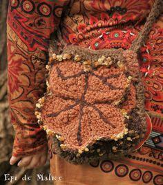 Sac bandouilère, sac à main, forêt, crocheté, lierre d'automne, feuille érable/ sac de fée, lutin / nature / hippie : Sacs bandoulière par epi-de-malice