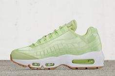 timeless design 86ae8 42b1b Women s Sneakers   Preview  Nike WMNS Air Max 95  Liquid Lime  – EU