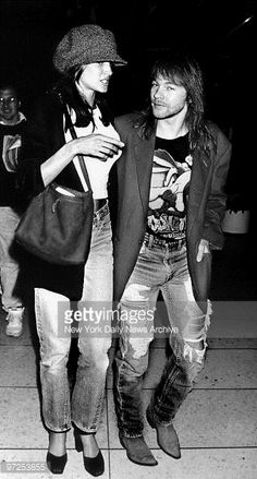Axl Rose with girlfriend Stephanie Seymour. Guns N Roses, Stephanie Seymour Axl Rose, Axl Rose Girlfriend, Erin Everly, A Line Skirt Pattern, Axl Rose Slash, 90s Models, Hot Couples, Kpop