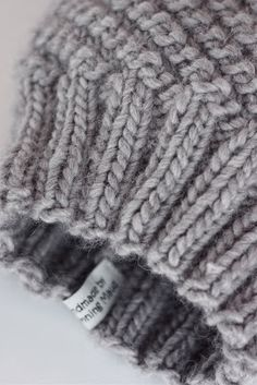Dronning Maud: Hjemmelaget julegavetips! Beret, Merino Wool Blanket, Knitted Hats, Knitwear, Diy And Crafts, Knitting, How To Make, Baby, Gifts