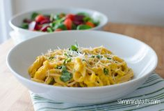 Slimming Eats - Spaghetti with a Roasted Butternut Squash Sauce - gluten free, vegetarian, Slimming World and Weight Watchers friendly Butternut Squash Pasta Sauce, Roasted Butternut Squash, Slimming Eats, Slimming World Recipes, Healthy Food Options, Healthy Recipes, Cheese Sauce For Pasta, Childrens Meals, Supper Recipes