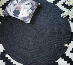 Dywanik ukończony. Można sobie wyrobić mięśnie 😊 #knittinglove #knittstagram #crocheting #homedecore #sznurekbawełniany #handmadewithlove