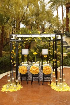 This stunning black and white tabletop contrasted with yellow cymbidium orchids and calla lilies stood center stage at the Four Seasons Hotel Las Vegas.