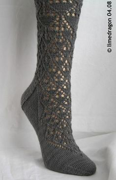 Lace socks worked cuff-down with double-point needles, inspired by Marianne Kinzel's 'English Crystal Design. Lace Socks, Crochet Slippers, Knit Crochet, Lace Knitting, Knitting Socks, Knitting Patterns, Knit Socks, Knitting Accessories, Textiles