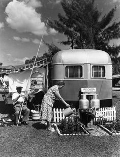 living the good life in a tiny retirement home in Florida, circa 1951 - one of 8 picks for this week's Friday Favorites