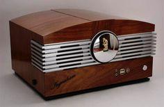 The Ingraham Case Mod, inspired by a 1946 Stromberg-Carlson radio design: