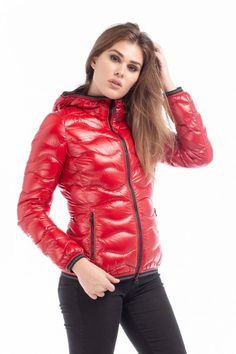 Woman's 'Greta' wave-quilted shiny down jacket Red Blauer Usa Berton Magazzini Red Bomber Jacket, Leather Jacket, Women's Puffer, Puffer Coats, Pants For Women, Jackets For Women, Women's Jackets, Mod Fashion, Sporty Fashion