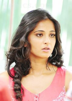 Anushka Shetty- anushka,anushka hot,anushka photos,Latest News,movies,Wallpapers,Photos, Videos: Anushka new photos