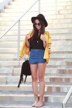 Veste jaune brodée - Blog Mode Montpellier Le Petit Monde de Julie. Short  Taille ... b1384911a5b