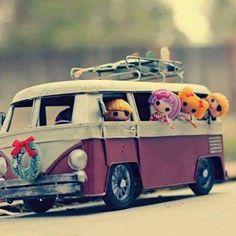hayallerimizi alıp gidelim buralardan..