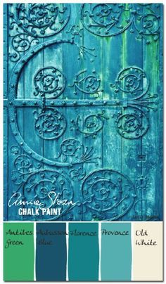 DIY Chalk Paint Furniture Ideas With Step By Step Tutorials - Verdigris Antique Door - How To Make Distressed Furniture for Creative Home Decor Projects on A Budget - Perfect for Vintage Kitchen, Dining Room, Bedroom, Bath Antibes Green, Chalk Paint Projects, Chalk Paint Furniture, Paint Ideas, Annie Sloan Painted Furniture, Chalk Ideas, Diy Projects, Decoration Palette, Painted Furniture