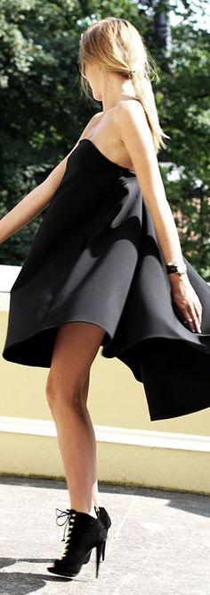Black Tailored Flared Strapless Little Dress