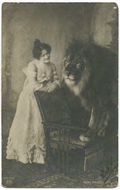 Claire Heliot, Lion Tamer