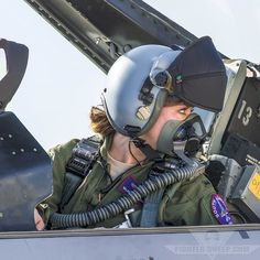Woman pilot. #WomenInAviation ( From FighterSweep.com )