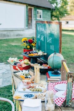 Lunch + food table from a How to Host a Back to School Party on Kara's Party Ideas Back To School Breakfast, Back To School Party, Back To School Gifts, School Parties, Grad Parties, High School, Teacher Graduation Party, Teacher Retirement Parties, College Graduation Parties