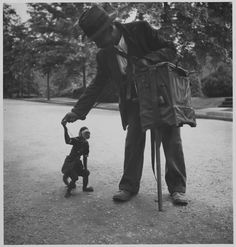 Organ Grinder and Monkey, Washington Heights, 1935