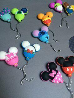 Polymer Clay Disney, Polymer Clay Charms, Polymer Clay Art, Handmade Polymer Clay, Disney Diy, Disney Crafts, Walt Disney, Disney Food, Clay Crafts