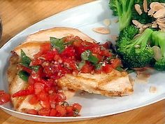 Tuscan chicken with roasted almonds and broccoli (very low carb and 24-day challenge friendly)