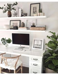 A minimal, Scandi-style home office with a white desk and chairs. (Modern decor house interior design, modern decor inspiration, modern décor office, minimalist home office desk inspiration. Mesa Home Office, Cozy Home Office, Home Office Space, Home Office Desks, Apartment Office, Office In Bedroom Ideas, Small Office Decor, At Home Office Ideas, Office Inspo