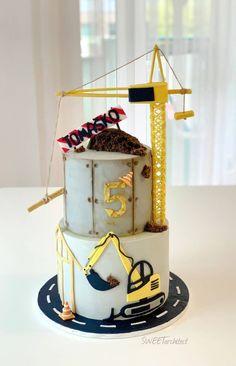 Blue Birthday Cakes, Boys 1st Birthday Cake, Bithday Cake, Kids Construction Cake, Excavator Cake, Architecture Cake, Engineering Cake, Cake Designs For Boy, Funny Cake