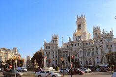 En plena calle Alcalá en el corazón de Madrid disfrutarás de la vida madrileña desde la terraza del Restaurante Diferen-T esos pequeños placeres diarios. #cibeles #diferentmadrid #diferent #puertadealcalá #retiro #menú #comer #terraza