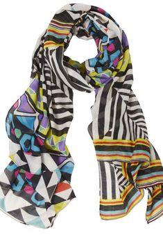 what do women wear in paris? http://boomerinas.com/2012/07/parisian-women-over-40-50-60-details-to-set-their-style-apart/