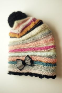 Fun hat tutorial, in Finnish. Looks like it would be a good stashbuster. Love Knitting, Knitting For Kids, Knitting Projects, Baby Knitting, Crochet Projects, Knit Or Crochet, Crochet Hats, Knitting Patterns, Crochet Patterns