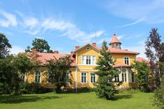 Kilo manor (Espoo, Finland) Cities In Finland, Mansions Homes, Urban City, Helsinki, Countryside, Terrace, Exterior, Architecture, House Styles