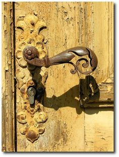 <3 <3 <3 this!!!!! Yellow Chippy Paint With Antique Hardware